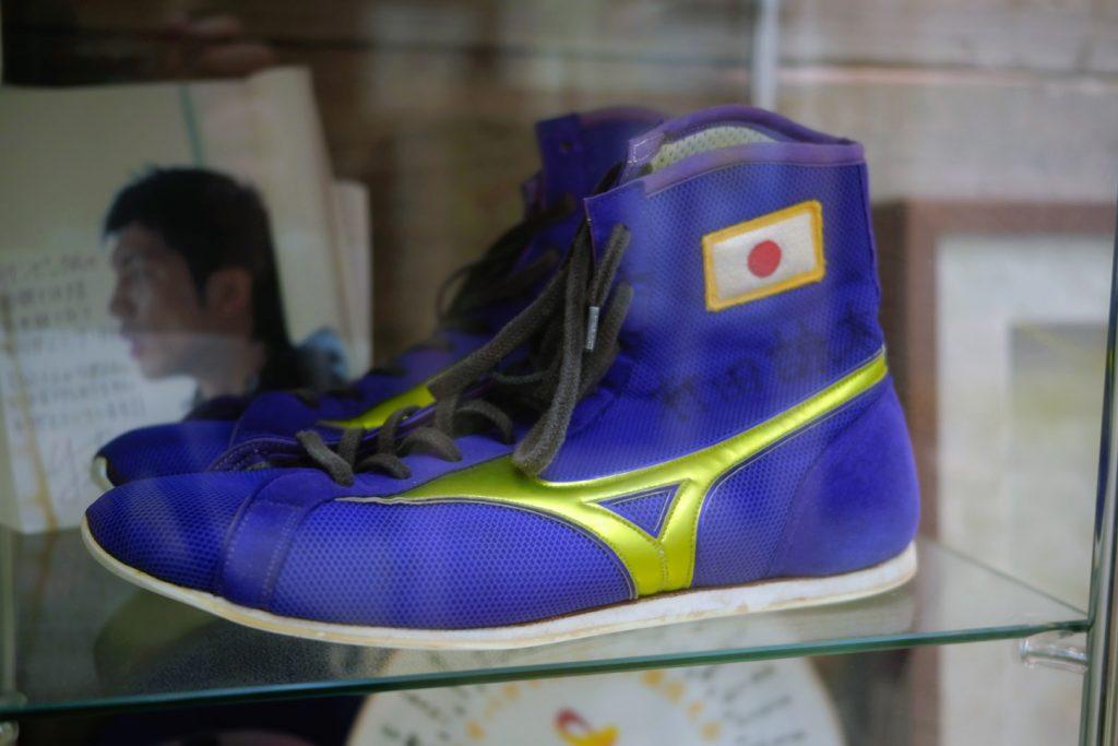 ロコモ溝の口治療院の院内 ボクシングの村田諒太選手の記念品